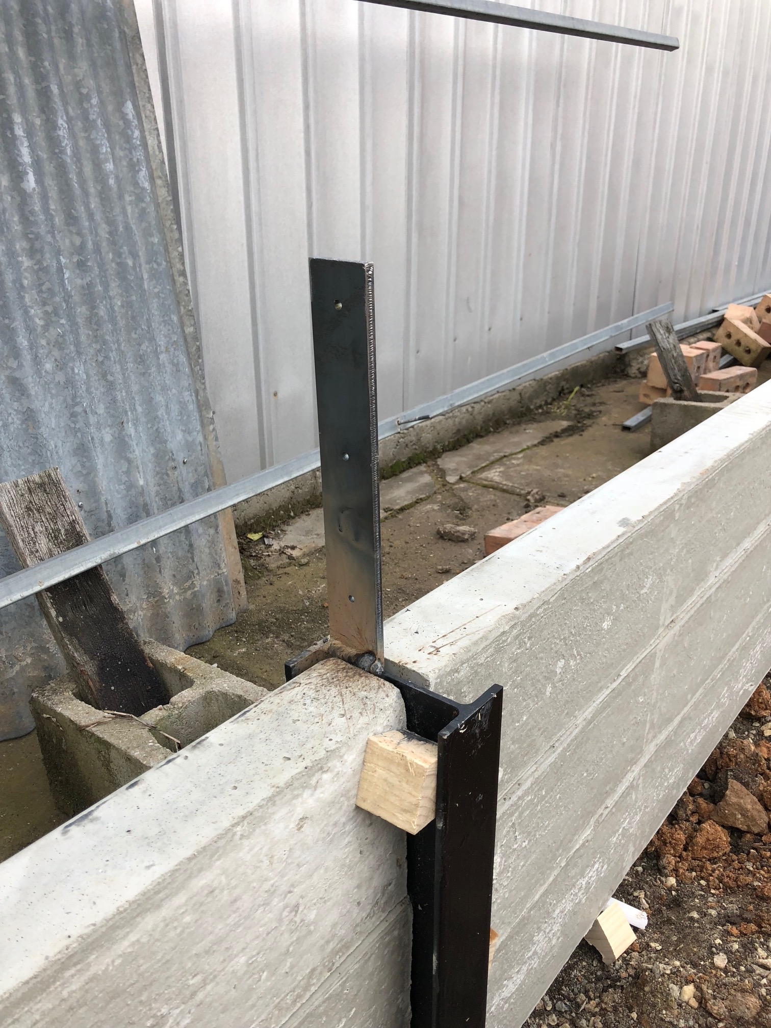 How To Attach Or Weld A Colourbond Fence Ontop Of A